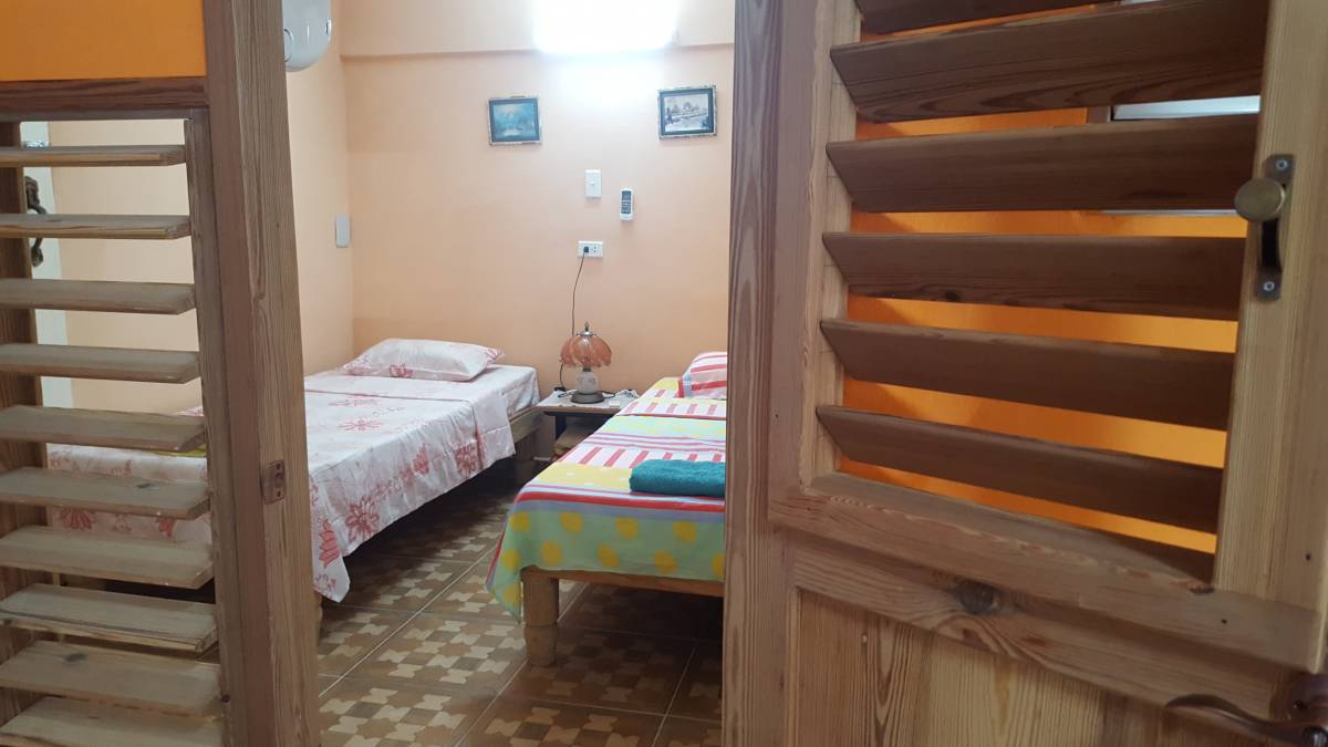Leydis y Alexis House, Centro Habana, Cuba, great travel and bed & breakfasts in Centro Habana