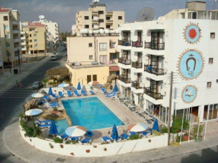 Larco Hotel, Tokhni, Cyprus, Cyprus hostels and hotels
