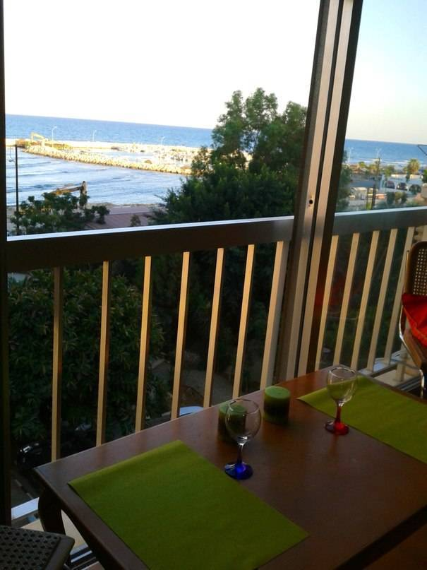 Mikis Apart, Larnaca, Cyprus, plan your trip with HostelTraveler.com, read reviews and reserve a hostel in Larnaca