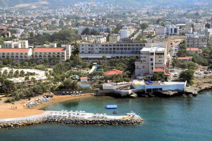 Oscar Resort Hotel, Kyrenia, Cyprus, bed & breakfasts and hotels for sharing a room in Kyrenia