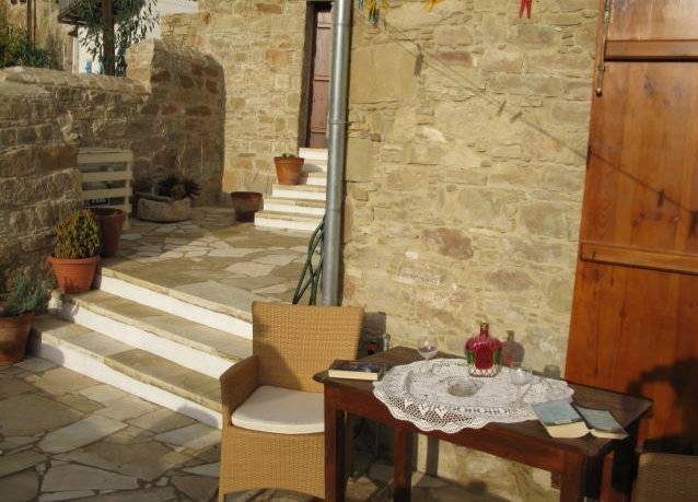 Zoe's House, Tokhni, Cyprus, Cyprus hostels and hotels