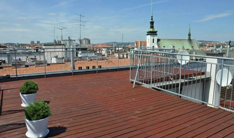 Freedom Square Apartments -  Brno, bed and breakfast bookings 12 photos