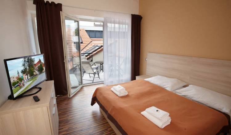 Residence U Cerne Veze - Search for free rooms and guaranteed low rates in Ceske Budejovice 15 photos