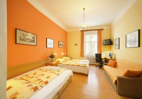 Golden City, Prague, Czech Republic, best price guarantee for bed & breakfasts in Prague