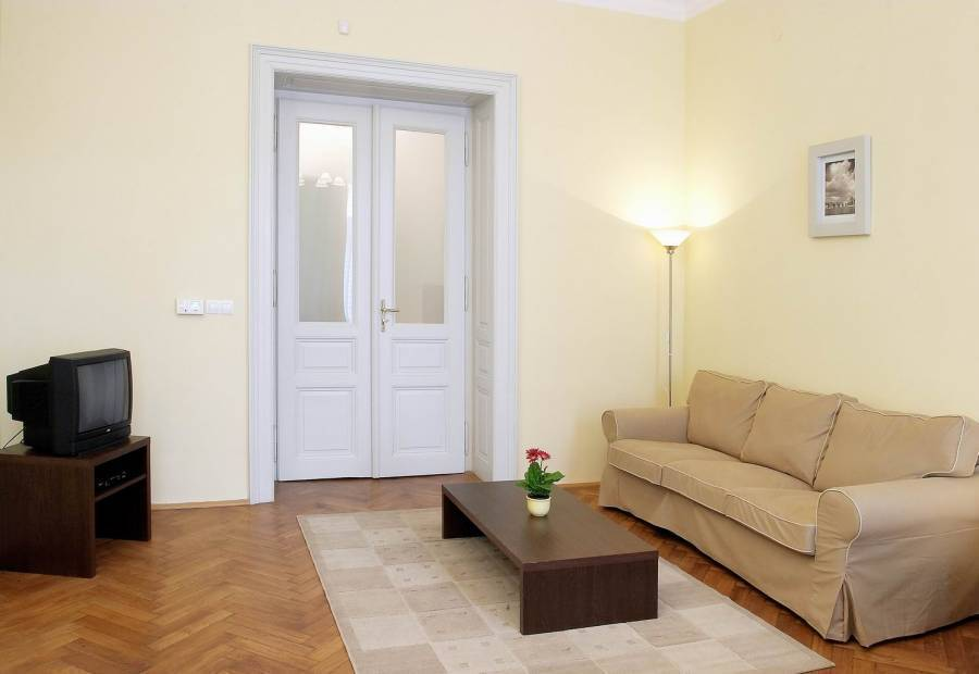 New Town Apartments, Prague, Czech Republic, low cost vacations in Prague