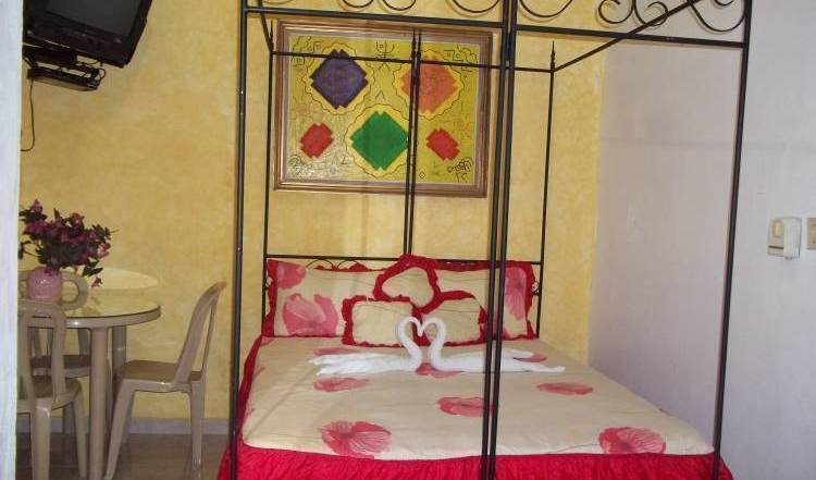 Hostal Dominico Mundial - Search for free rooms and guaranteed low rates in Santo Domingo, Baoruco, Dominican Republic hostels and hotels 37 photos