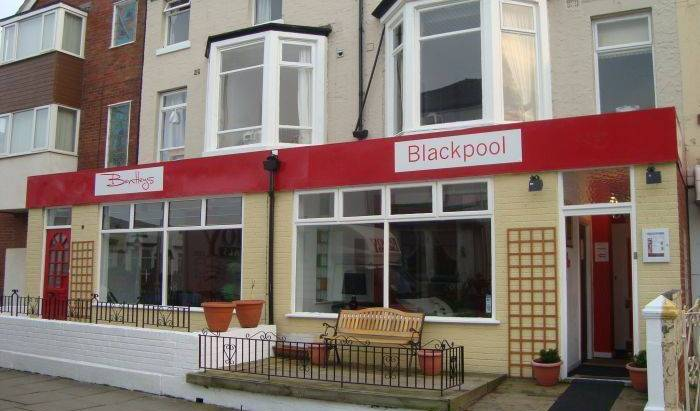 Colours Hotel - Search for free rooms and guaranteed low rates in Blackpool 2 photos