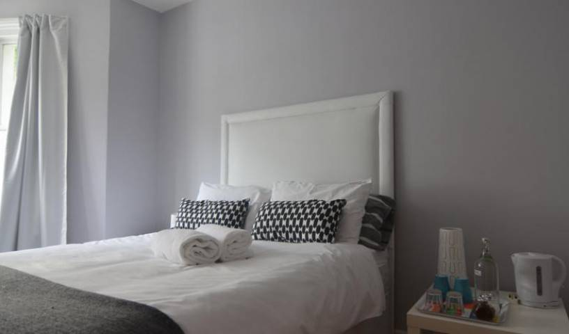 Elephant Guesthouse - Get cheap hostel rates and check availability in City of London 17 photos