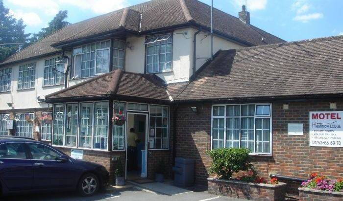 Heathrow Lodge, excellent bed & breakfasts in Harrow on the Hill (London Borough of Harrow), England 4 photos