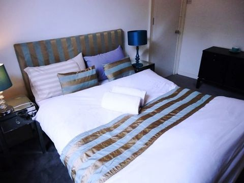 Kings Cross Road, London, England, top 20 hostels and backpackers in London