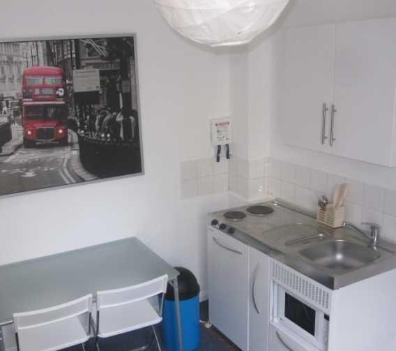 Stay in Chelsea, London, England, eco friendly hostels and backpackers in London