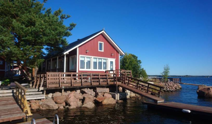 Rantakari Cottage - Search available rooms and beds for hostel and hotel reservations in Kotka 10 photos