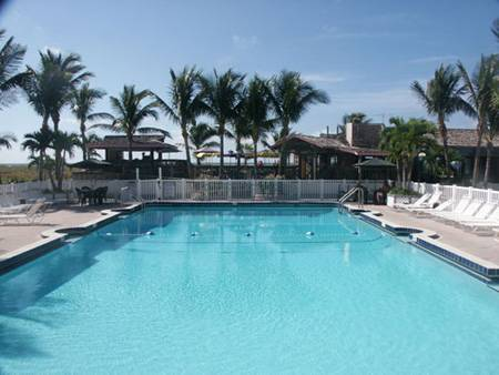 Beachcomber Beach Resort, Saint Pete Beach, Florida, what is a green hostel in Saint Pete Beach