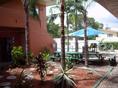 Chocolate 5 Star Hostel and Crew House, Fort Lauderdale, Florida, Florida hostels and hotels