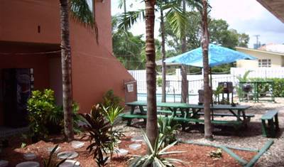 Chocolate 5 Star Hostel and Crew House -  Fort Lauderdale 14 photos