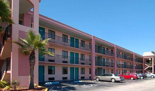Quality Inn Maingate West -  Kissimmee, bed and breakfast holiday 7 photos