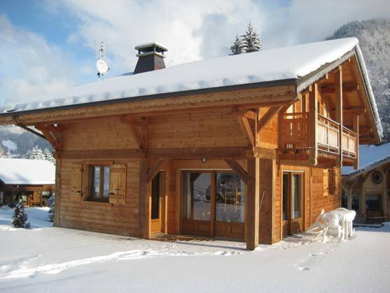 Chalet Perrier, Morzine, France, safest hostels in secure locations in Morzine