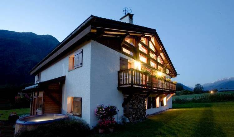 Chalet Tissieres - Search for free rooms and guaranteed low rates in Chamonix-Mont-Blanc 24 photos