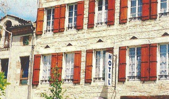 Hotel Des Iles - Get cheap hostel rates and check availability in Agen, cheap hostels 6 photos