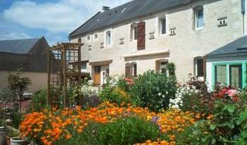 Le Clos De La Barre, bed & breakfasts for vacationing in summer 8 photos