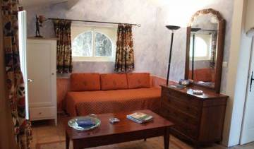 Mas De La Chapelle - Search for free rooms and guaranteed low rates in Arles 1 photo