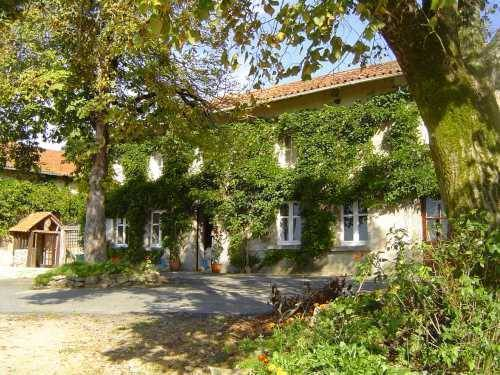 Domaine De Charlet, Saint-Laurent-sur-Gorre, France, France bed and breakfasts and hotels