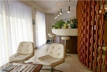 Hotel Moderne, Menton, France, compare deals on bed & breakfasts in Menton