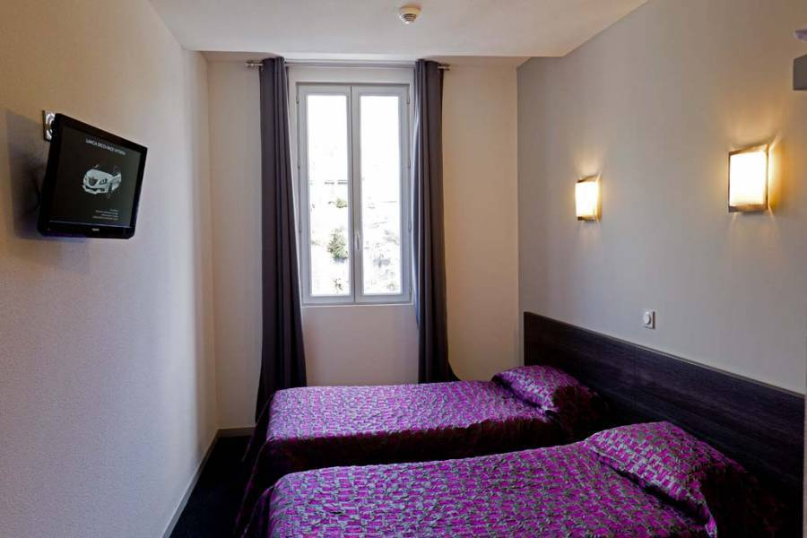 Hotel Saint-Etienne, Lourdes, France, France bed and breakfasts and hotels
