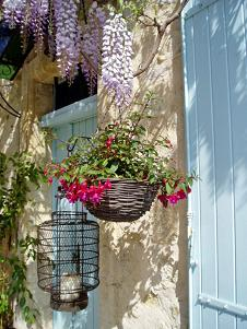 Le Mas De La Treille, Avignon, France, find the lowest price for bed & breakfasts, hotels, or inns in Avignon