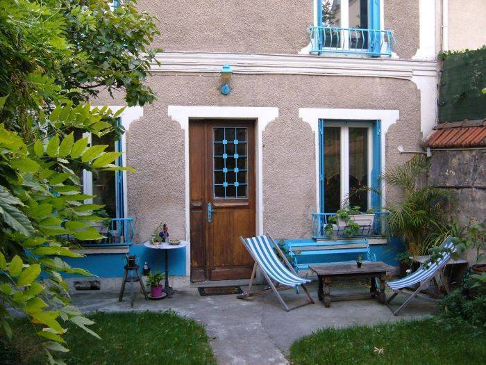 Bed and Breakfast near Paris, Paris, France, France hostels and hotels