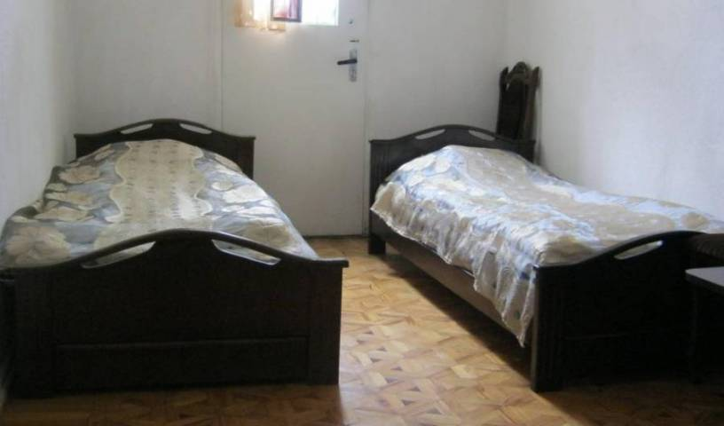 Hostel Leila -  K'utiri, cheap bed and breakfast 9 photos