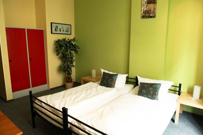 Singer109 Hostel Und Apartment, Berlin, Germany, compare reviews for bed & breakfasts in Berlin