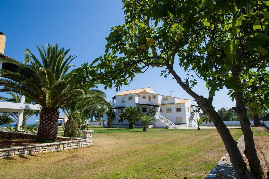 Corfu Sea Palm Residence, Roda, Greece, bed & breakfasts with air conditioning in Roda