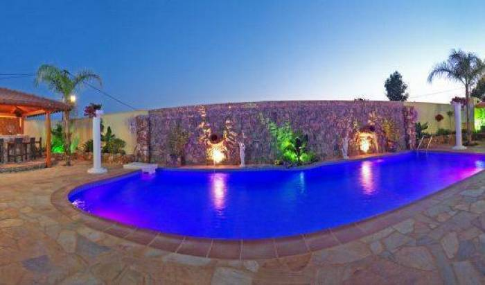 Paradice Hotel - Search for free rooms and guaranteed low rates in Chania 9 photos