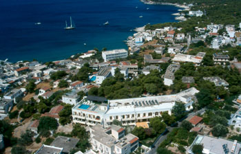 Galini Hotel, Agia Marina (Aegina), Greece, bed & breakfasts in locations with the best weather in Agia Marina (Aegina)