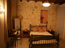 Nakli, Rethymnon, Greece, how to choose a booking site, compare guarantees and prices in Rethymnon