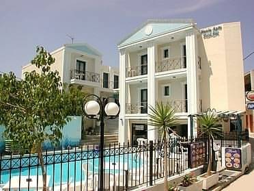 Renia Hotel Apartments, Irakleion, Greece, find hostels with restaurants and breakfast in Irakleion