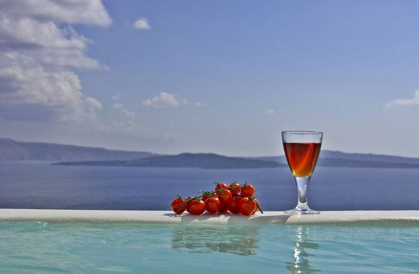 Residence Suites, Santorini, Greece, save on hostels with HostelTraveler.com in Santorini