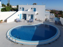 Villa Pelekanos, Santorini, Greece, long term rentals at bed & breakfasts or apartments in Santorini