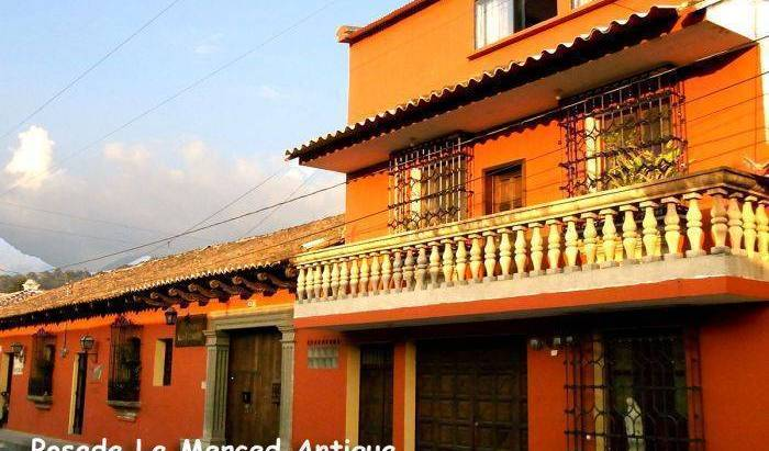 Posada La Merced Antigua, cheap hostels 12 photos