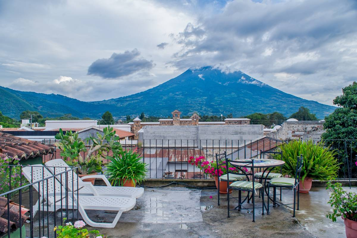 Hotel Casa Rustica, Antigua Guatemala, Guatemala, backpackers backpackers hiking and camping in Antigua Guatemala