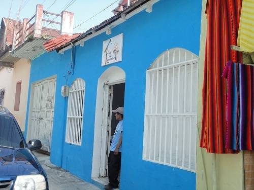 Hotel Los Estudiantes, Flores, Guatemala, Guatemala bed and breakfasts and hotels