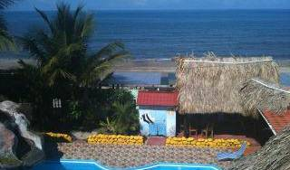 La Delphina Bed and Breakfast Bar Grill - Search for free rooms and guaranteed low rates in La Ceiba 69 photos