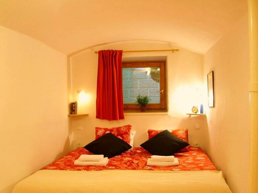 Apartment Akademia, Budapest, Hungary, scenic hostels in picturesque locations in Budapest