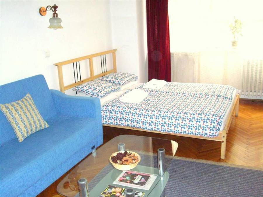 Apartment Vaci, Budapest, Hungary, no booking fees in Budapest