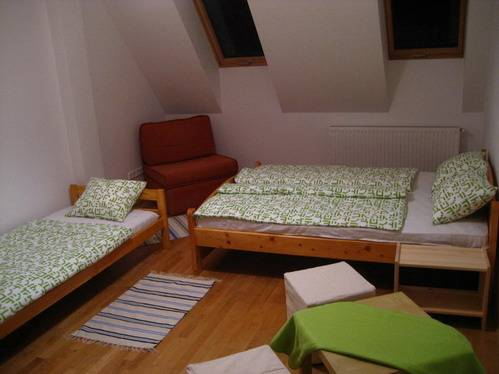 Bell Hostel and Guesthouse, Budapest, Hungary, affordable prices for hostels and backpackers in Budapest
