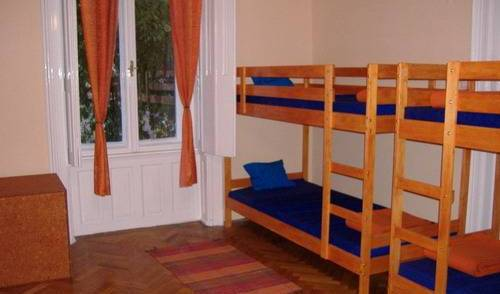 Leanback Hostel Budapest, cheap bed and breakfast 5 photos