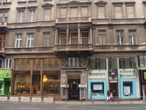 Elizabeth Bridge Hostel, Budapest, Hungary, find me bed & breakfasts and places to eat in Budapest
