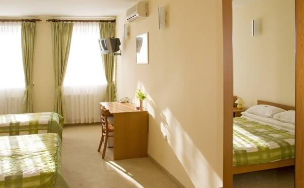 Hotel Ferihegy, Budapest, Hungary, Hungary hostels and hotels