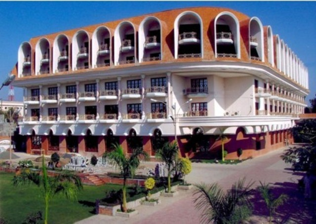 Aurangabad Gymkhana Club (Hotel), Aurangabad, India, India hostels and hotels